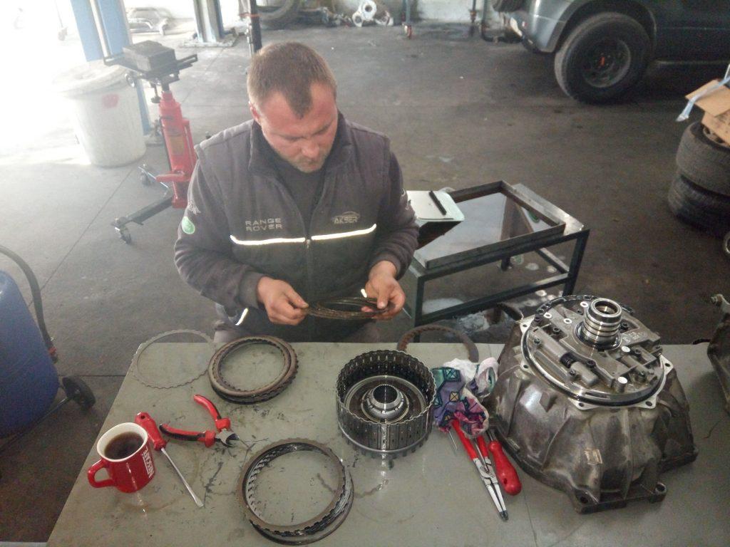 İzmir Range Rover Otomatik Şanzıman Bakımı