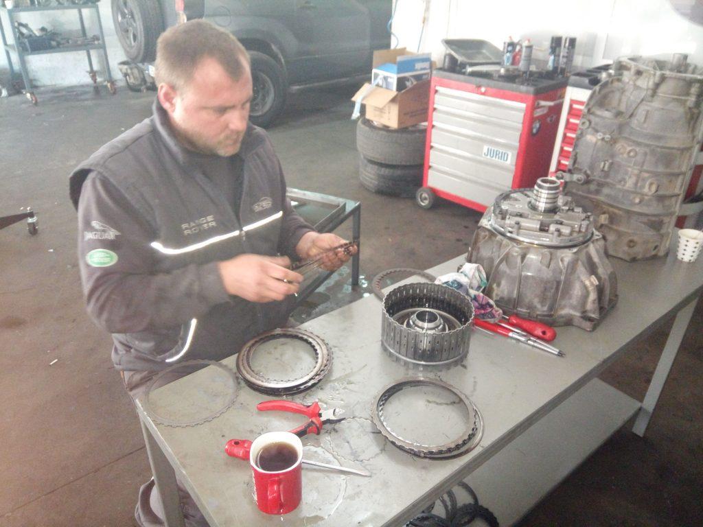 İzmir Range Rover Otomatik Şanzıman Bakım Onarım Yedek Parça Akser Oto Servis