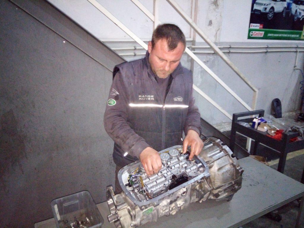 İzmir Range Rover Otomatik Şanzıman Balata Değişimi