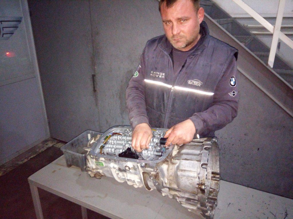 İzmir Range Rover Otomatik Şanzıman Tamiri