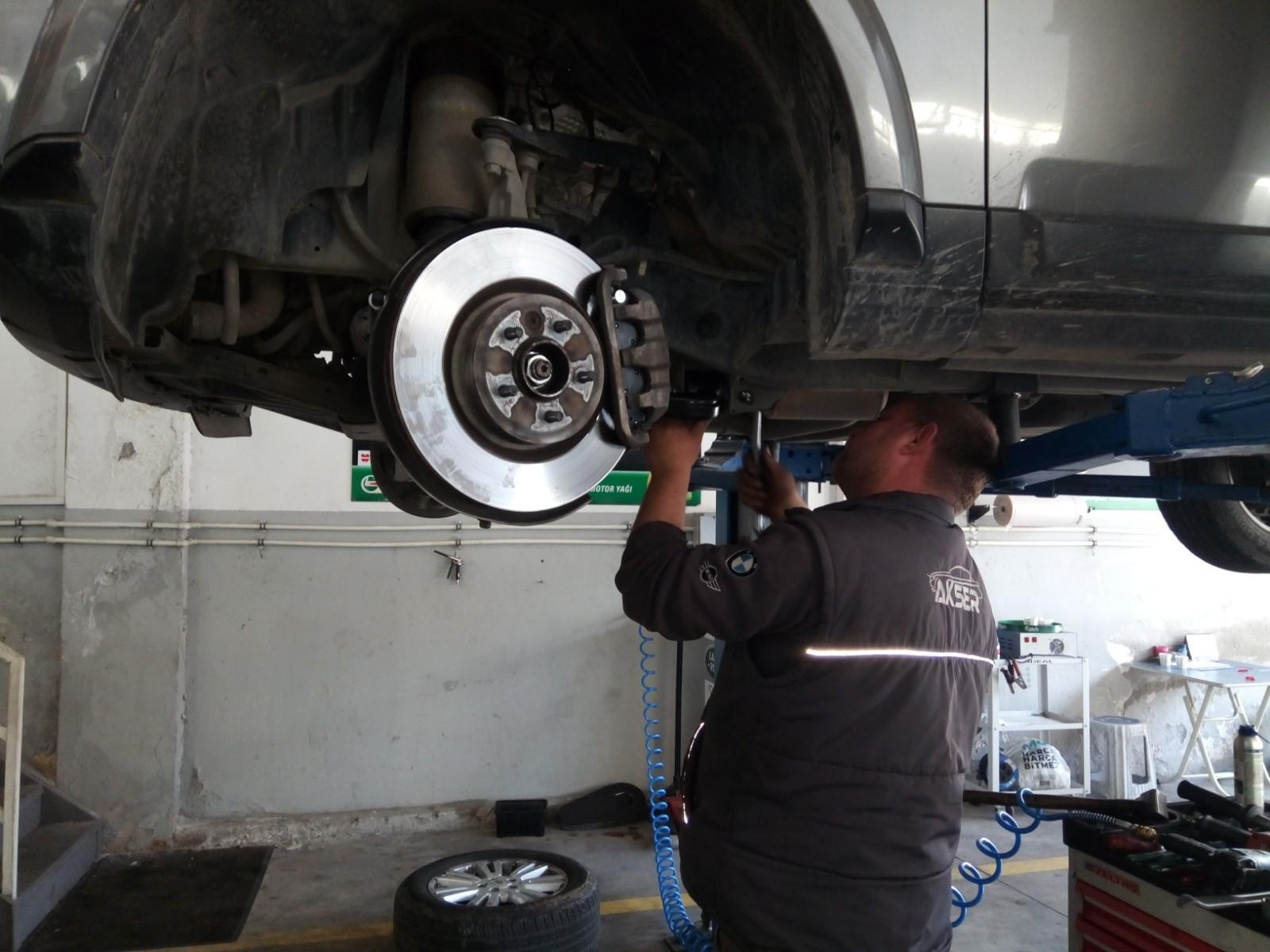 Land Rover Discovery Alt Takım Değişimi