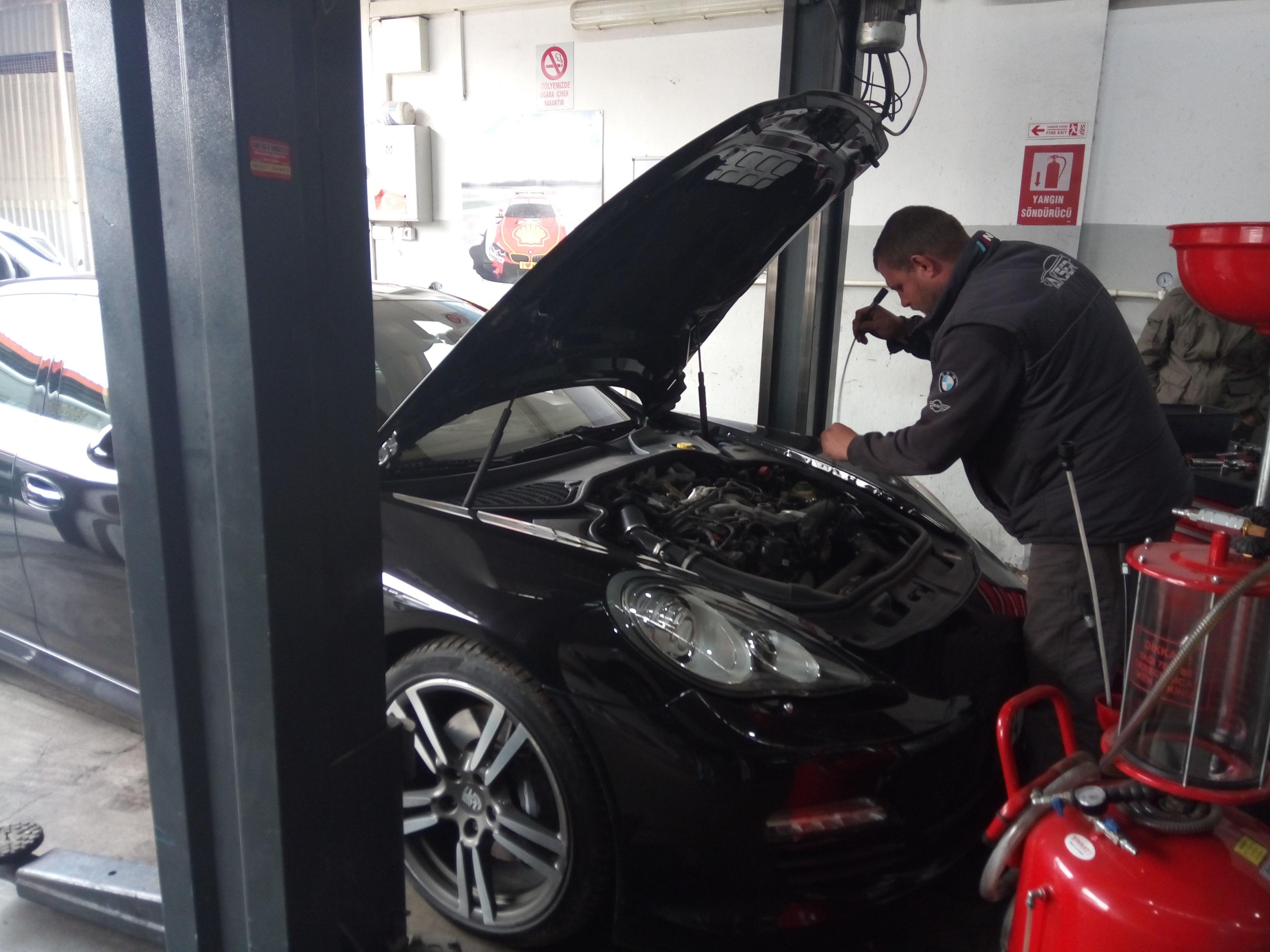 İzmir Porsche Panamera Mekanik Onarım, Triger Seti Değişimi, Enjektör ve Pompa Bakım Onarım ve Revizyonu