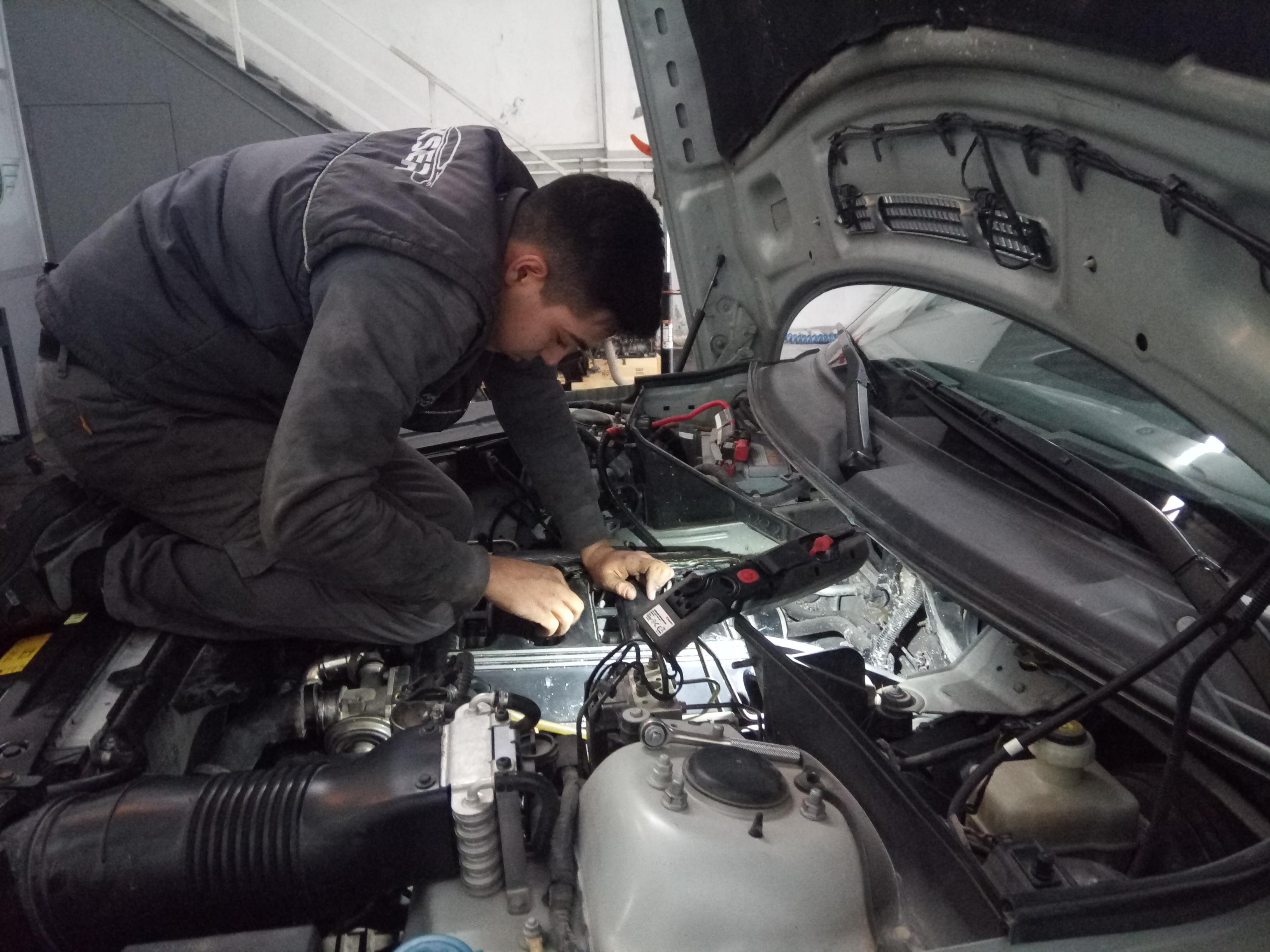 İzmir Range Rover Vogue Mekanik Onarım, Triger Seti Değişimi, Enjektör ve Pompa Bakım Onarım ve Revizyonu